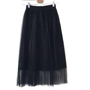 Zara Trafaluc Black pleated midi skirt size medium